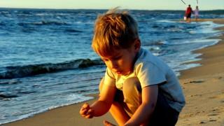 Sur la plage, abandonné ...