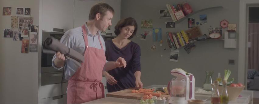 Hmmm la bonne pub - Couple faisant l amour dans la cuisine ...