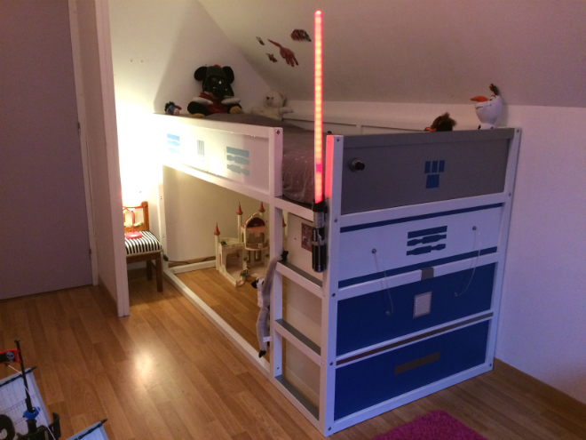 Transformer un lit enfant ikea en lit star wars r2d2 for Lit hauteur ikea
