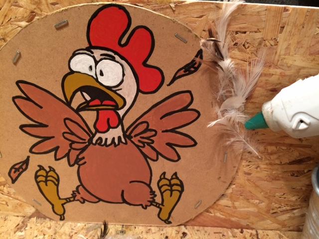 Collage des plumes Tuto jeu de Kermesse Roule ma poule