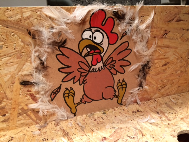 Tuto jeu de Kermesse Roule ma poule déco plumes