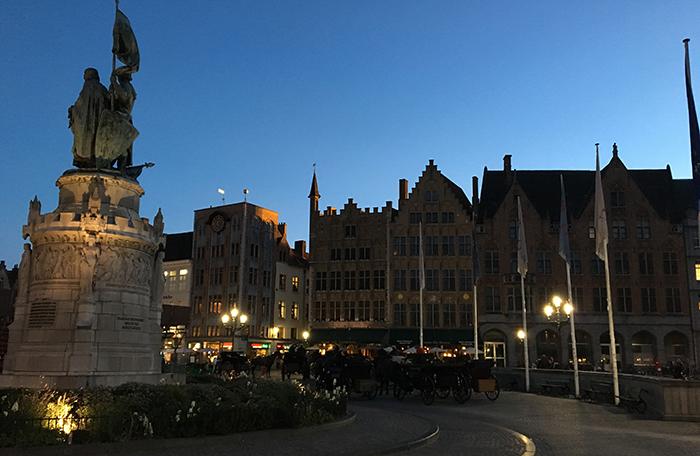 Bruges Grand place nuit