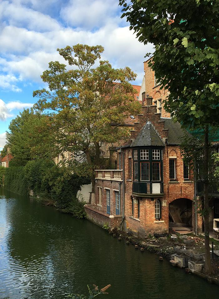 Bruges canaux maison