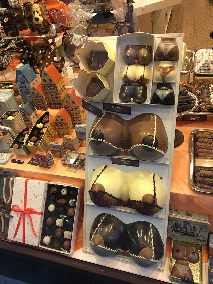 Bruges chocolats seins