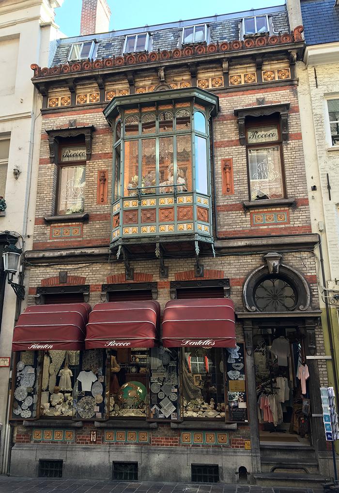 Bruges facade dentelle