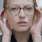 Femmes à lunettes ...